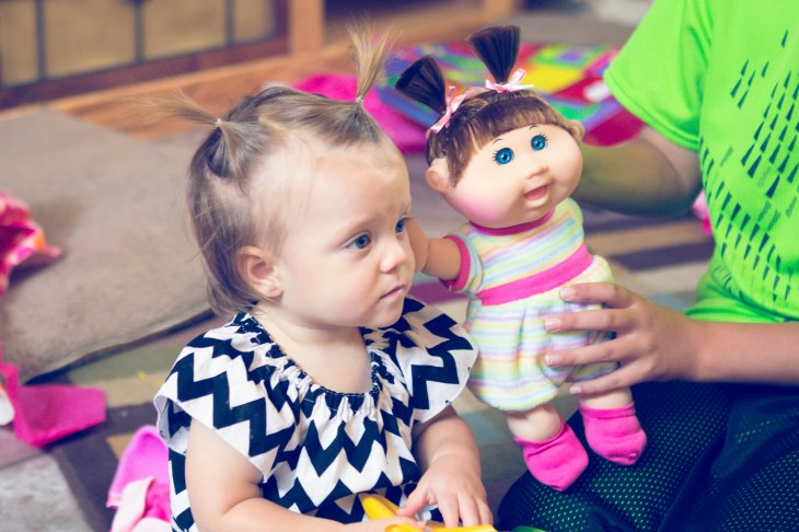 Lyla was given her first Cabbage Patch Kid.  Her name is Gisele Brooklyn.  We're hoping that's just her stripper name.